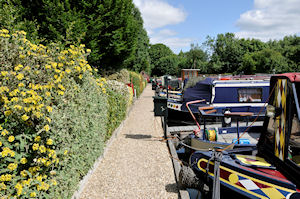 Moorings and services at Newbury